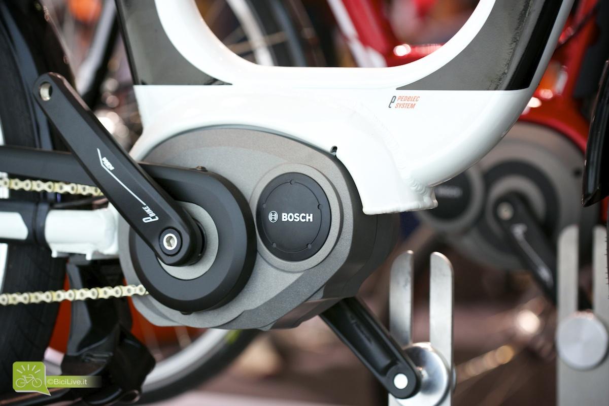 Una foto ravvicinata del motore Bosch Performance Line