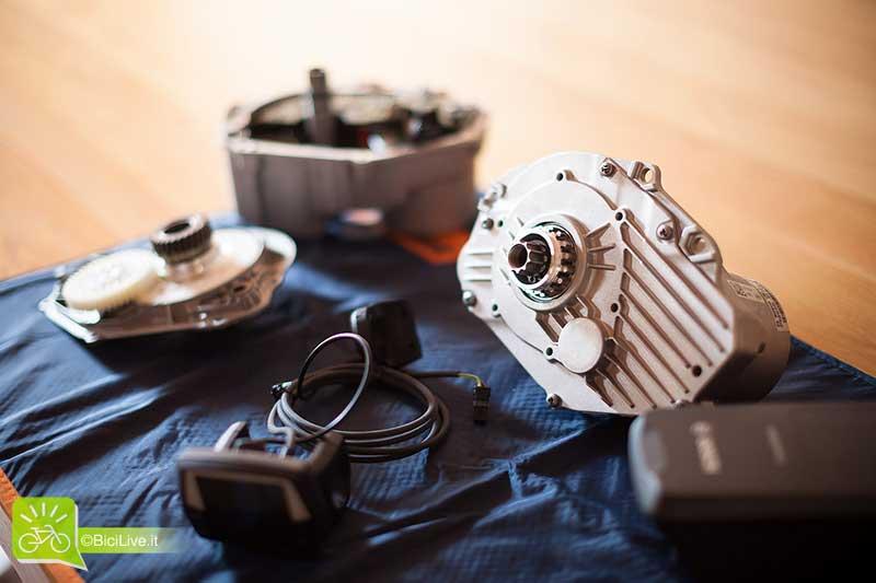 Un motore elettrco Bosch aperto e sezionato
