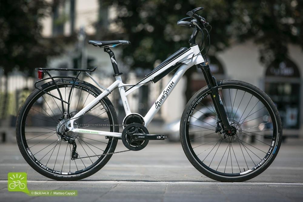 La Grish è una bici da città e trekking che pesa 18kg (batteria compresa)