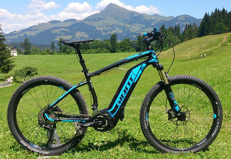Giant 2016 arriva la mountain bike elettrica dirt e for Yamaha e mountain bike