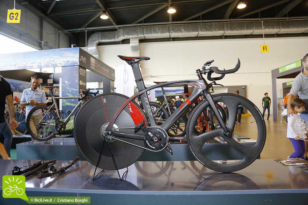Bici-Elettrica TRED Bestia-Nera Cosmo Bike 2015 Top Ten