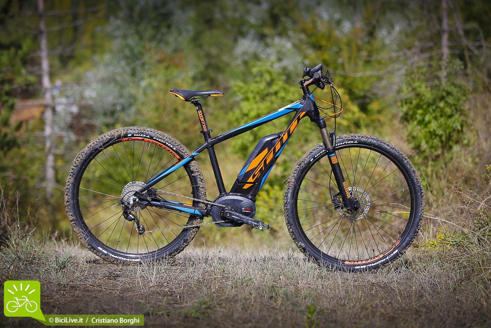 foto laterale della bici elettrica Scott E-Aspect