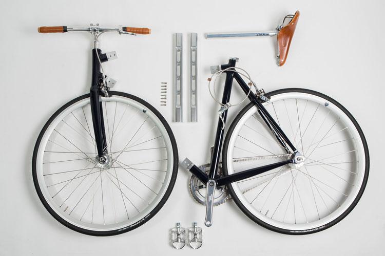 La bicicletta Taddeo di Andrea Colussi smontata