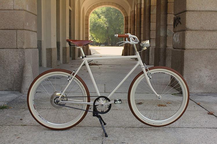 L'ebike per uso urbano Il Gagà dell'azienda di Milano Barse.