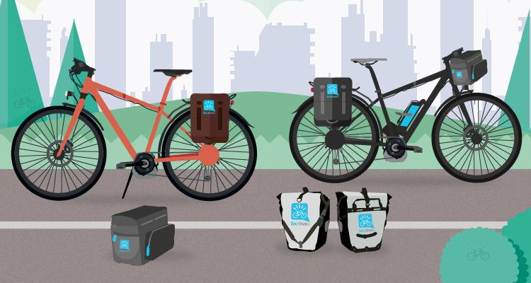 biciclette elettriche con borse e attrezzature per il bikepacking