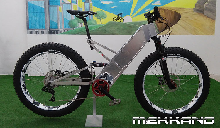 Una eMTB con gomme FAT prodotta da Mekkano Bike