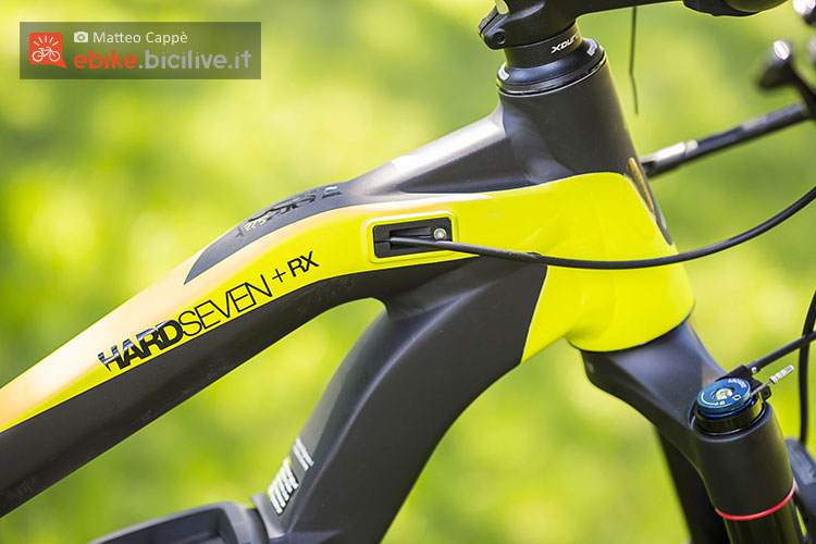 Cavi a scomparsa sulla bici elettrica Haibike Xduro Hardseven+ RX