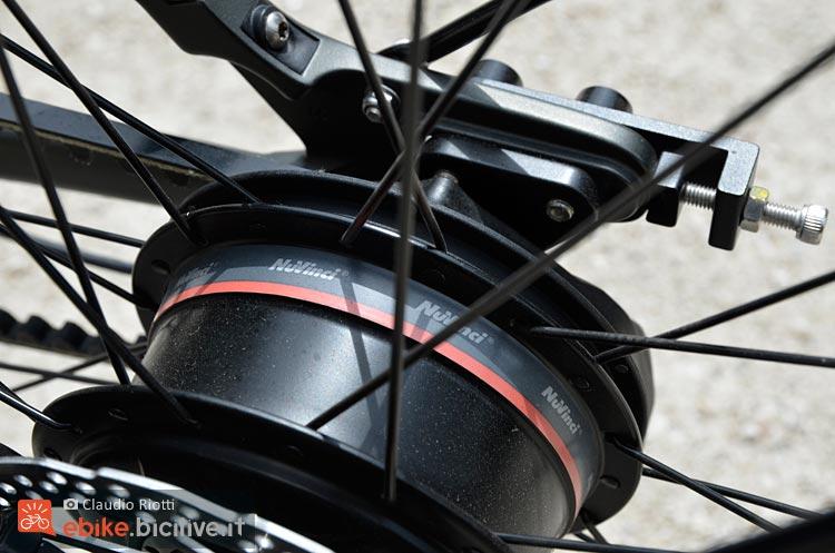 foto del mozzo posteriore della Wi Bike con cambio elettronico Nuvinci