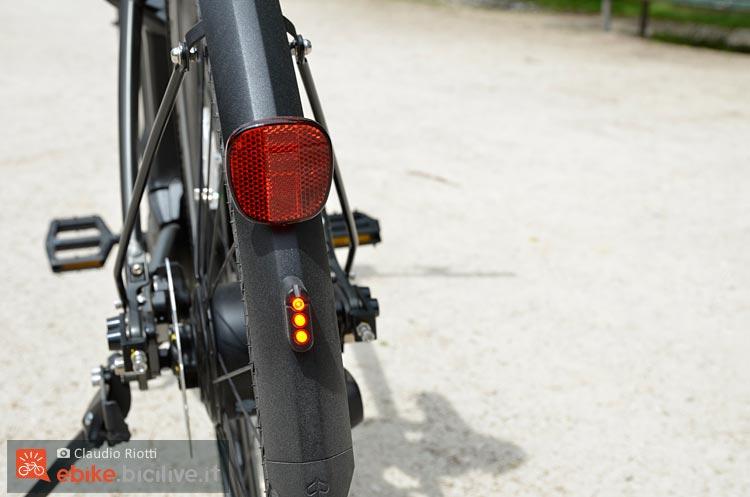 foto della luce posteriore della wi bike piaggio