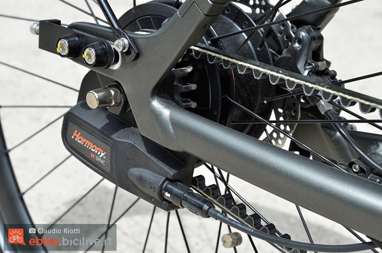 foto della trasmissione a cinghia della wi bike piaggio