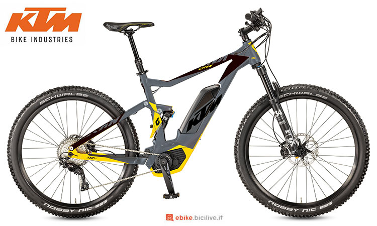 Una mountain bike elettrica biammortizzata KTM Macina Lycan 272