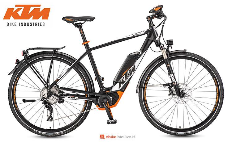 Una bici elettrica a pedalata assistita KTM Macina Sport 11 CX5