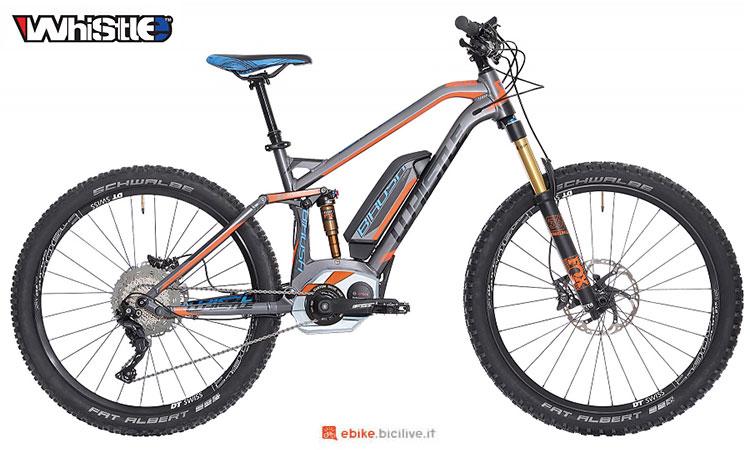 Una mountain bike elettrica biammortizzata Whistle B-Rush SLS
