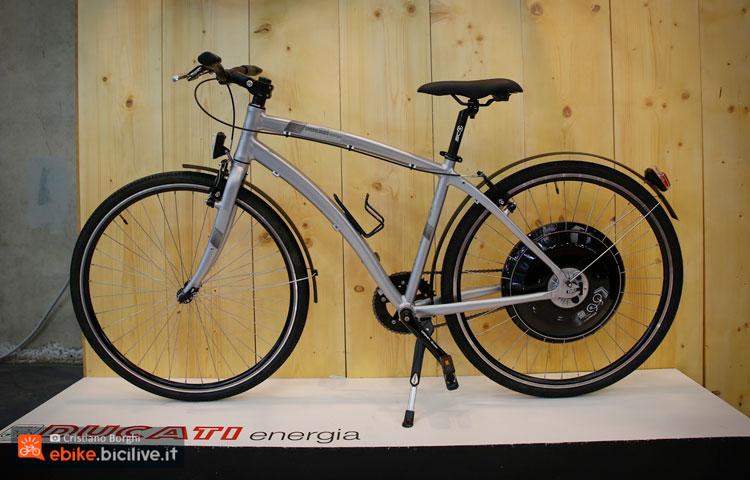 La bici elettrica a scatto fisso Ducati Energia Urban