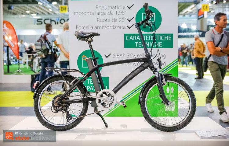 Una bici elettrica con ruote da 20 Hinergy Gotham
