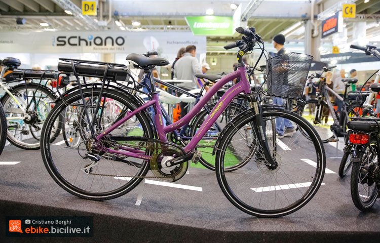 La bici a pedalata assistita Lombardo Viterbo esposta a CosmoBike Show