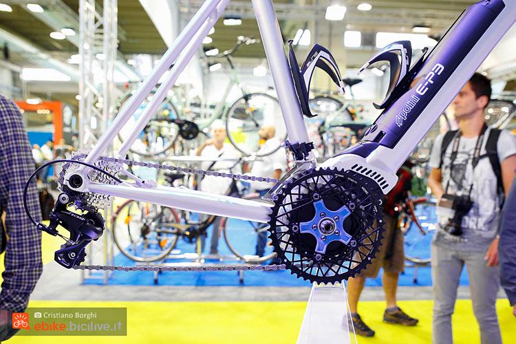 alloggiamento motore e batteria nel telaio di una bicicletta a pedalata assistita