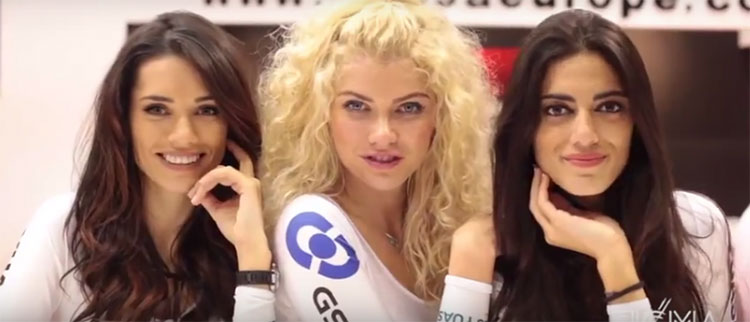 Tre belle hostess all'edizione 2015 di EICMA