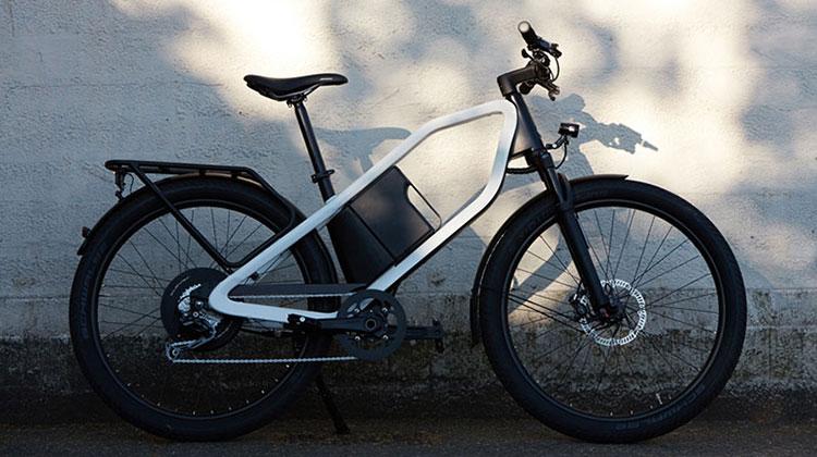 Una bici elettrica Klever X Commuter