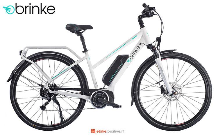 Una bici elettrica 2017 Brinke Rushmore 2 White Deore