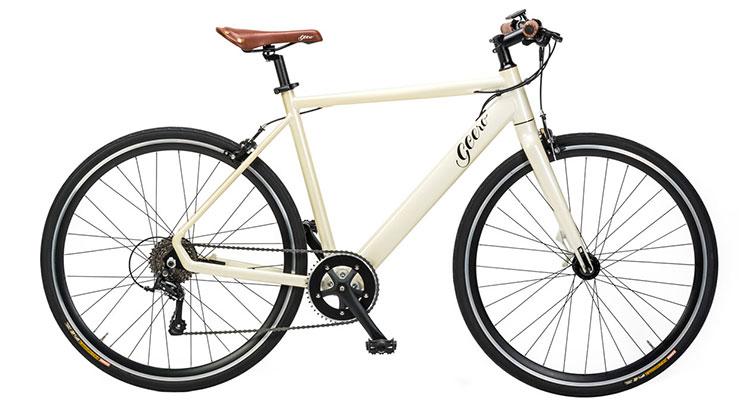 Una bicicletta a pedalata assistita Geero nella colorazione bianco crema