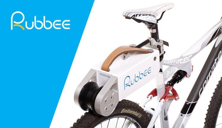Un kit ebike Rubbee montato su una mountain bike.