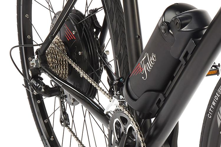 Un kit Falco eDrive montato su una bicicletta da corsa