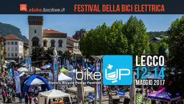 piazza di lecco durante il festival dell'ebike bikeup