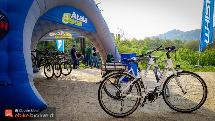 foto della atala b easy urban bike con motore am 80