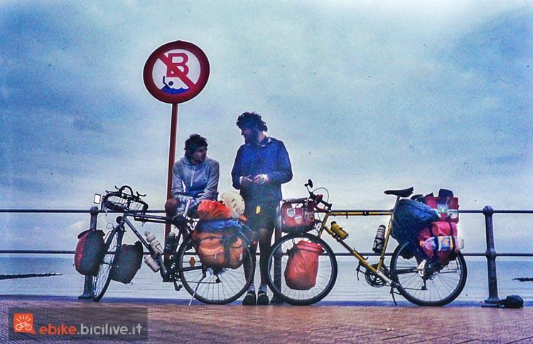 foto di mario ciaccia a Ostenda, 1993. L'arrivo al Mare del Nord