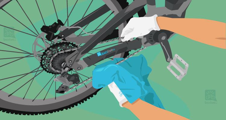 illustrazione di una pulizia della catena della ebike