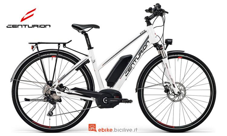 Una bici da donna Centurion a pedalata assistita E-Fire Tour 510