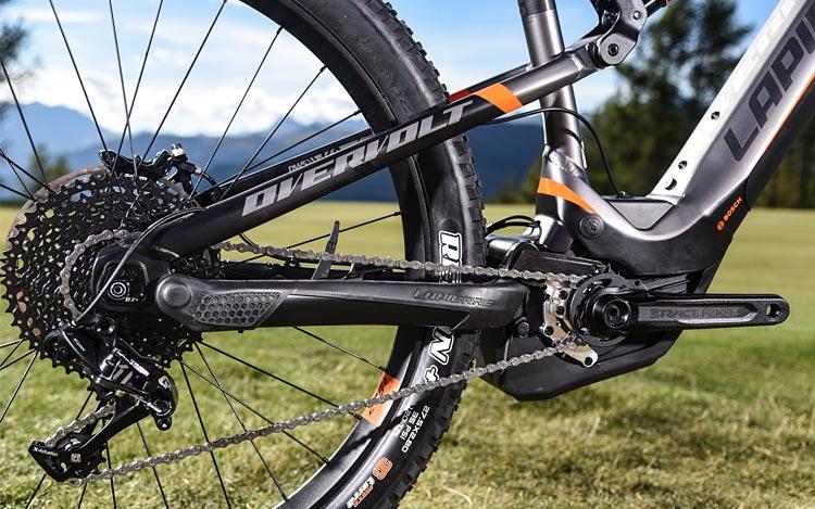 Il motore è il Bosch Performance CX  con la nuova modalità di assistenza misurata sulla pressione esercitata sui pedali.