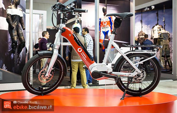 foto della La Zemo Scooter powered by Vodafone, con motore Bosch da 250 W e batteria integrata