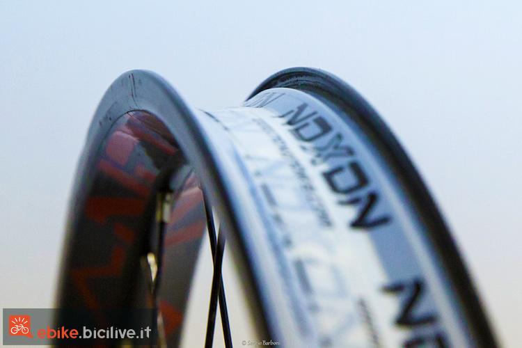 foto del cerchio delle ruote Noxon Elexon 27,5