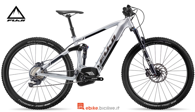 "Una bici a pedalata assistita Blackhill EVO E-Full Suspension 29"" 1.1 del listino Fuji 2018"