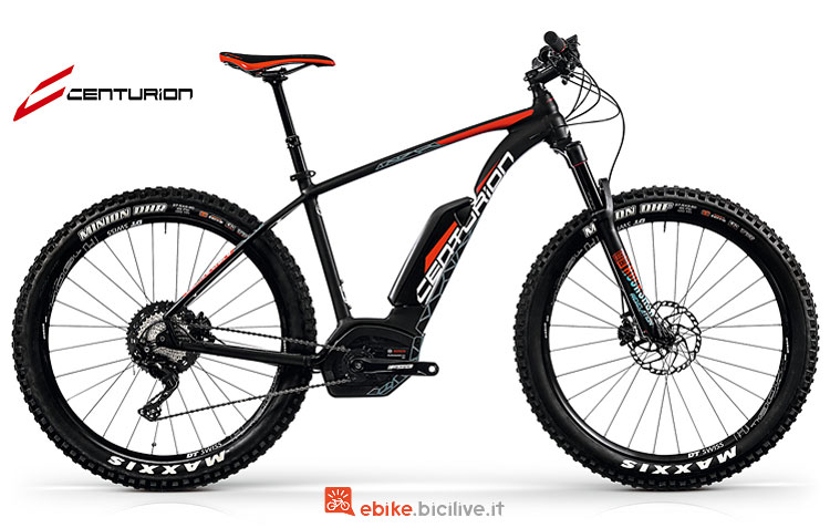 Una bicicletta Backfire Trail E R2500 2018
