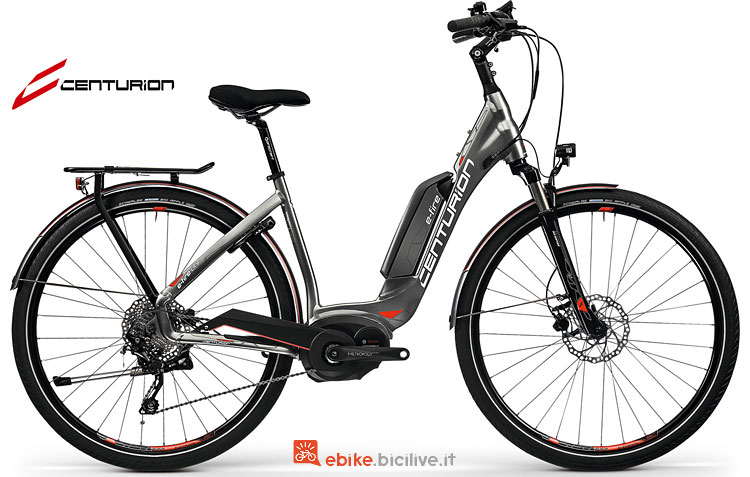 Una city bike elettrica E-Fire City R850