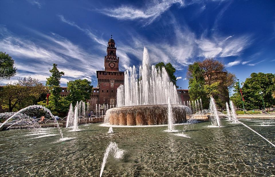 Piazza Castello a Milano