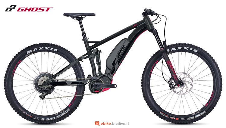 Una mountain bike a pedalata assistita full suspended Ghost Lanao S6.7+ AL