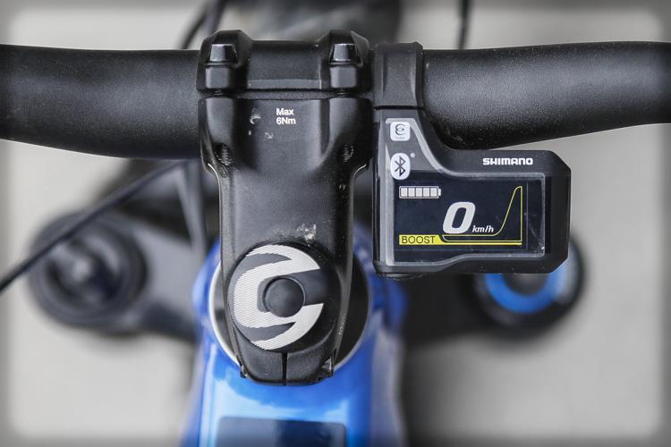 Un dettaglio display Shimano sulla Cannondale Cujo Neo 130 2019