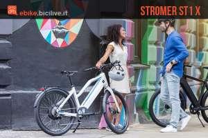 uomo e donna con delle ebike Stromer ST1 X