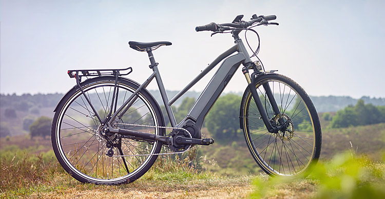bici elettrica da trekking con motore Shimano Steps E6100