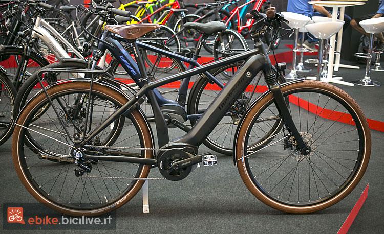 bici da trekking elettrica Lombardo e-Roma