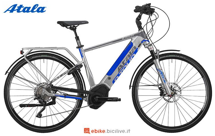 Una bici elettrica da trekking Atala B-Tour XLS 2019