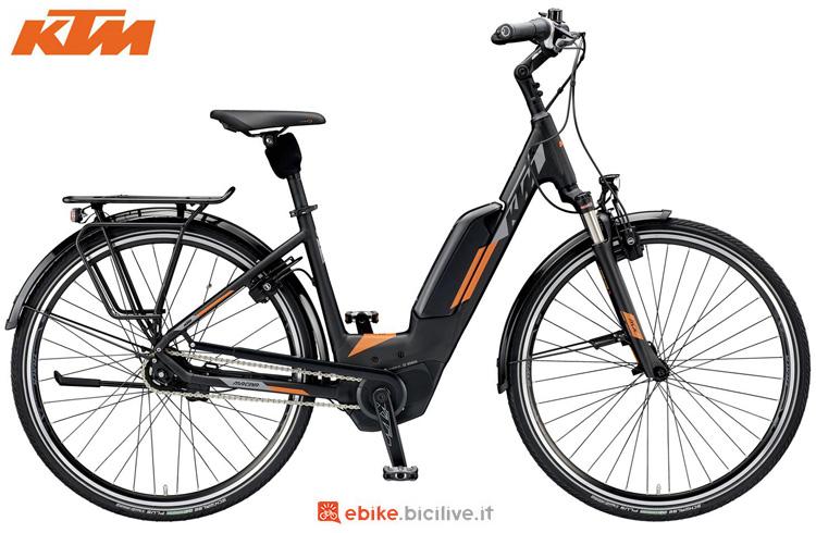 Una ebike KTM Macina City 5 P5 2019