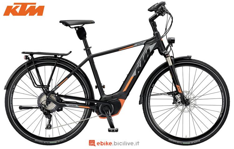Una bici a pedalata assistita KTM Macina Style XT 11 CX5