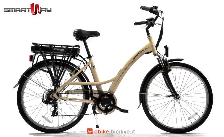 Una ebike per uso cittadino SmartWay City Bike Unisex C2