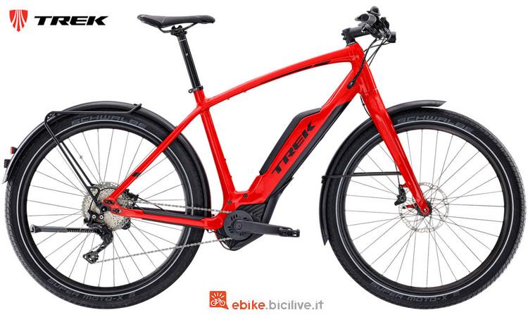 Una bici elettrica da città Trek Super Commuter+ 8 2019