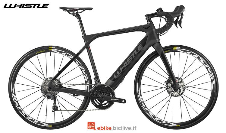 Una bici da corsa elettrica in carbonio Whistle Flow Carbon 2019
